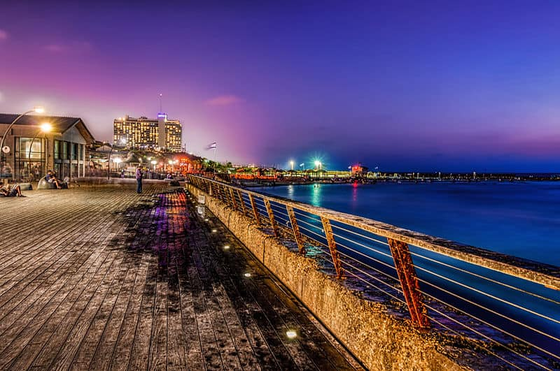 800px-Tel-Aviv_Port_(long-exposure_HDR)
